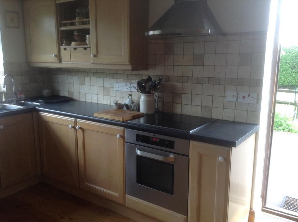Kitchen units with solid oak doors buy sale and trade ads for Oak kitchen units for sale