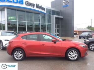2015 Mazda MAZDA3 GS, 6 speed, Bluetooth, Heated seats, one owne