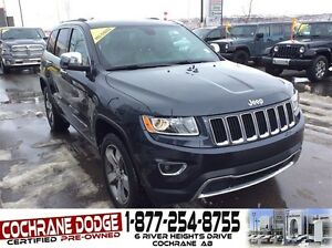 2016 Jeep Grand Cherokee Limited w/SUNROOF AND BACK-UP CAMERA!