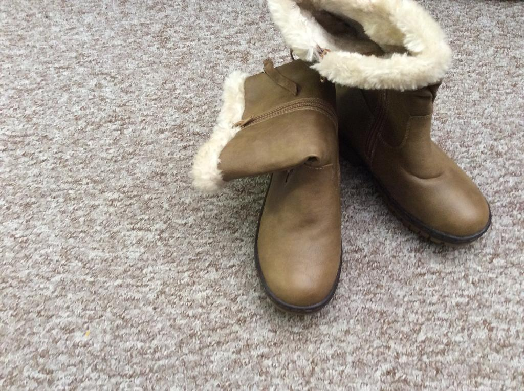 Girls new boots