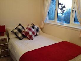 Double room to rent in 2 bed house leith Edinburgh