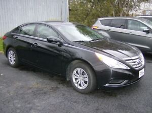 2012 Hyundai Sonata DYNAMITE CLEAN LOW KM SEDAN !!
