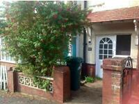 SINGLE ROOM AVAILABLE IN 6 BED STUDENT HOUSE WITH GARDEN IN HOLLINGDEAN, Stanmer Villas (Ref: 146)
