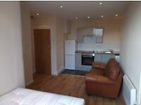 MODERN 1ST FLOOR double bed STUDIO FLAT furnished private bathroom&kitchen Barking Rd Newham E138HR