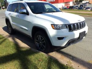 2017 Jeep Grand Cherokee GET A CHRISTMAS GIFT WITH EVERY VEHICLE