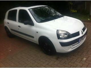 Renault clio expression 1.5 dci diesel, 2002, 5 door, £30 year road tax, 12 months mot, bargain