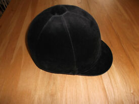 Champion riding hat size 7.5 like new