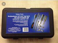 Tap removal ratchet spanner set