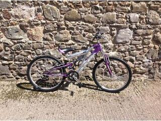 Girls bike- suitable for 9years+