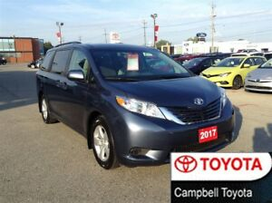 2017 Toyota Sienna LE--PWR SLIDING DOORS--8 PASS--LOW KM'S