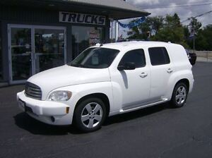 2010 Chevrolet HHR 5 PASSENGER LITTLE CARGO !!! COOL !!