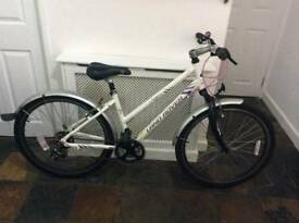 Land rover ladies / womens bike / bicycle