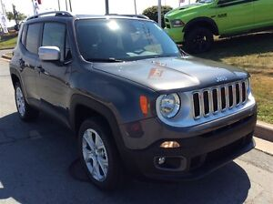 2017 Jeep Renegade LIMITED/LEATHER/DUAL PANE SUNROOF/4X4