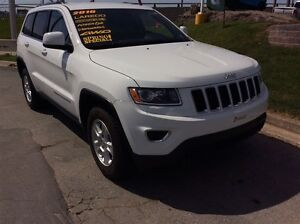 2015 Jeep Grand Cherokee LAREDO/LEATHER/4X4/BACK UP CAM