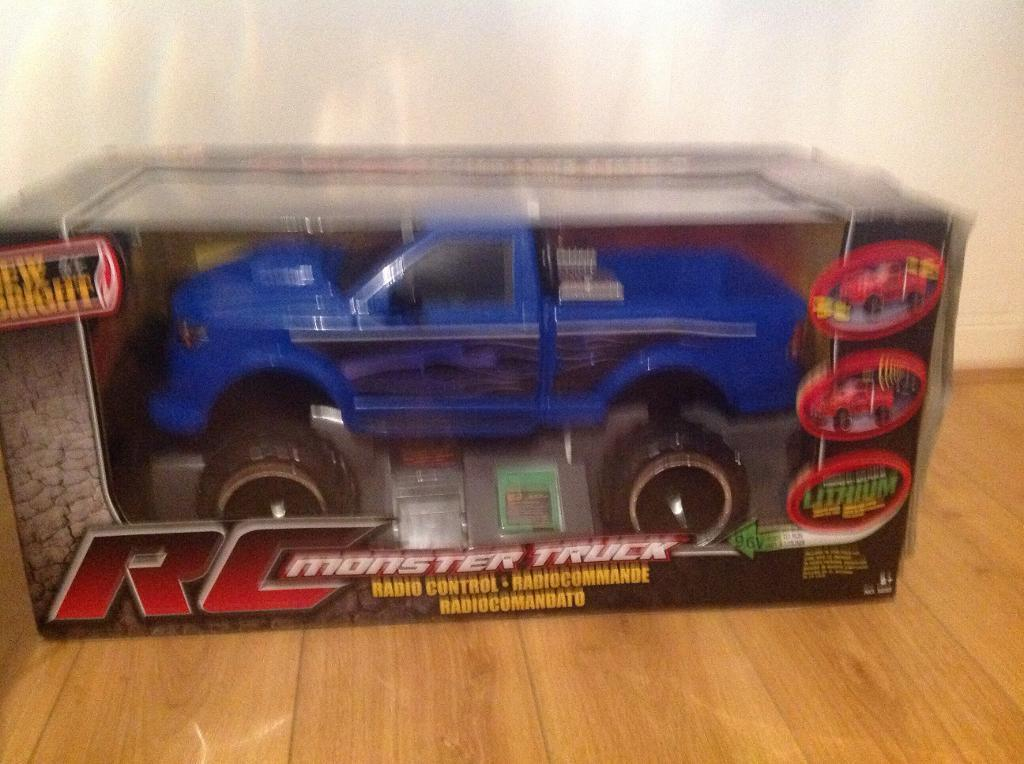 MONSTER TRUCK FOR SALE NOW ONLY 25 POUNDS GREAT XMAS PRESSIE