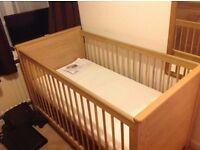 Bonito Bebe Oak nursery set