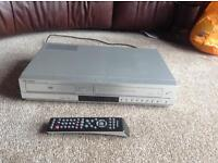 Samsung VCR/DVD Combination player with remote control