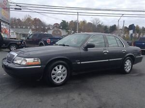 2004 Mercury Grand Marquis LS,ONLY 70,000 KMS,NEW SAFETY!!