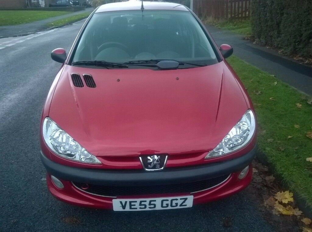 Outstanding 1.4 Peugeot 206 5 door under 28k only 2 owners from new & full MOT