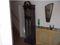 LARGE CHIMING GRANDFATHER CLOCK MAHOGANY FINISH SPLIT PEDEMENT TOP CARVED WOOD FLUTED COLUMNS 31