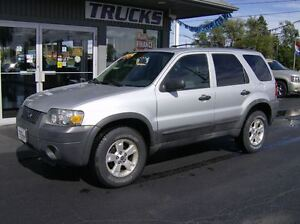 2005 Ford Escape PERFECT LITTLE SUV !! CLEAN CLEAN !!
