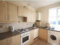 2 bedroom flat in Kensal rise close to all amenities nice and quiet place available now