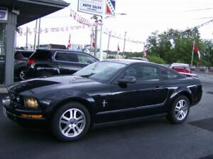 2006 Ford Mustang BLACK BEAUTY !! REAL CLEAN CAR !!