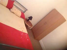 Room to let within 5 minutes walk to EAST HAM tube station