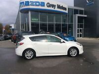 2012 Mazda MAZDA3 GS, Sunroof, 2.5L, 6 speed, One owner! Low kms