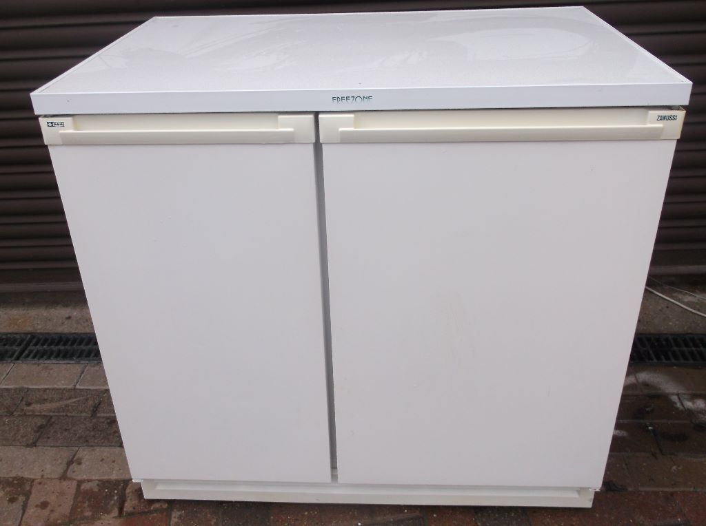Zanussi Frost Free Under Counter Side By Side Fridge