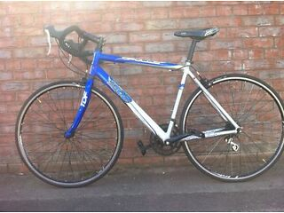 APOLLO TDF.02 ROAD BIKE FOR SALE (AMAZING RIDE,ALL IN WORKING ORDER)