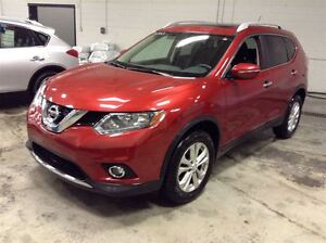 2014 Nissan Rogue SV AWD MAGS TOIT PANORAMIQUE