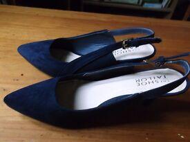 Shoe Tailor Shoes. Size 5E