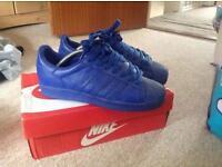 Adidas pharrell Williams blue superstars