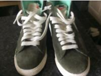 New Nike trainers size 5