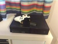 Xbox one 500Gb, Luna white controller, all cables, 2 rechargeable batteries