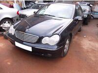 Mercedes w203 C class car bonnet £45 breaking car ,headlights,doors,gearbox,sam unit,wheels