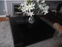 4ft x4ft Designer Coffee table - Solid wood