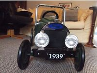 CHILDS PEDAL CAR