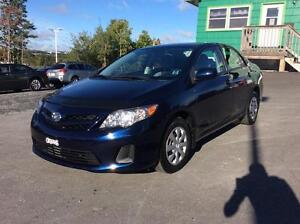 2013 Toyota Corolla LE 6SPD WITH AIR CONDITION AND PWR WINDOWS
