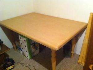 solid oak table (new) London Ontario image 1
