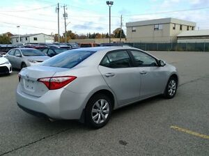 2015 Toyota Corolla LE LOCAL TRADE---HEATED CLOTH---REAR CAMERA Windsor Region Ontario image 4