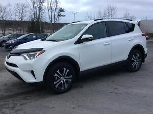 2016 Toyota RAV4 LE AWD - CHECK OUT THESE KM'S!  WOW! THIS WONT