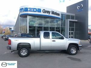 2013 Chevrolet Silverado 1500 LT, V8, 4x4, Ext Cab, low kms!!