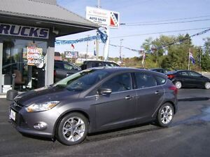2012 Ford Focus SEL TOP OF THE LINE !! HATCH