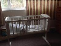 Baby swinging rocking crib with matress and fitted sheet