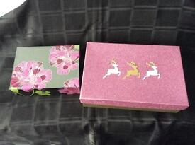 Lovely mirror jewellery box in Christmas gift box - as new