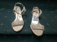 Size 4 Silver Beaded Sandal Vanelli Di Notte  NEW