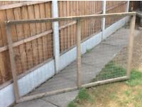 Piece of fence/ wire mesh frame approx 8ft x 4ft