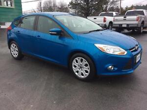 2012 Ford Focus SE 5DR HATCH WITH AIR CONDITION AND POWER WINDOW